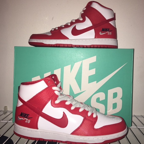 new arrival 32c95 3225a Nike SB Zoom Dunk High Pro NWT